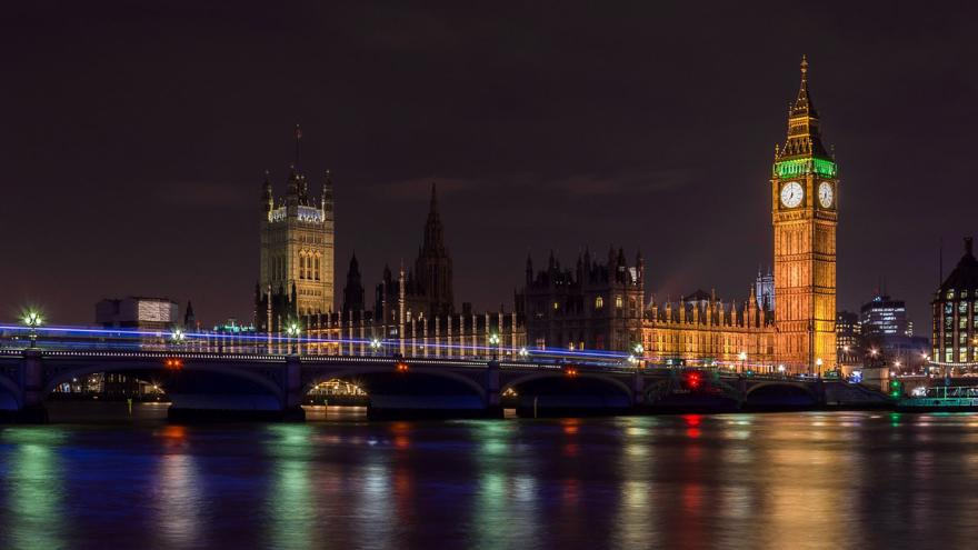 A shot of Big Ben in London at Night