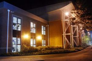 sport-sports_centre_outside_night